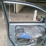 toyota auris front door glass replacement before photo